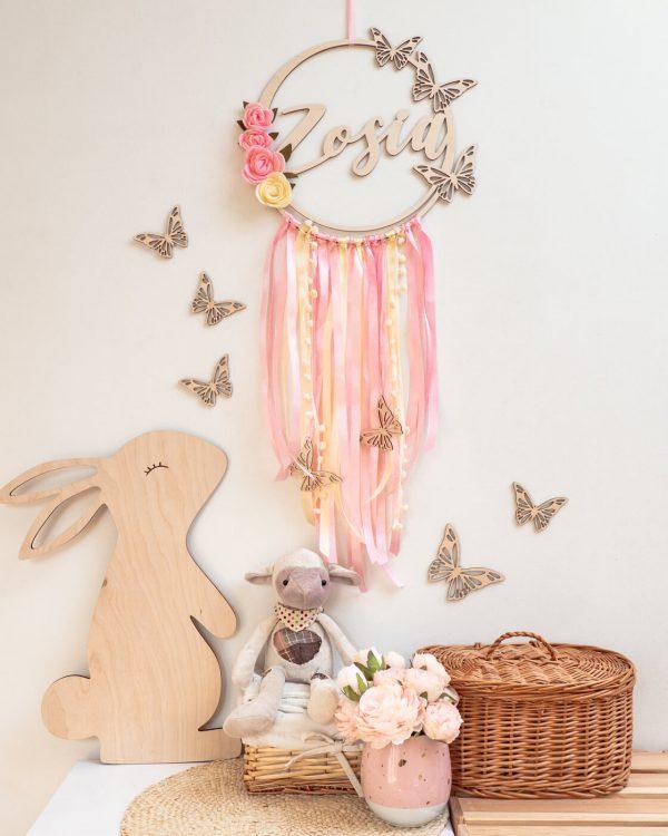 łapacz snów z motylami różówy 1