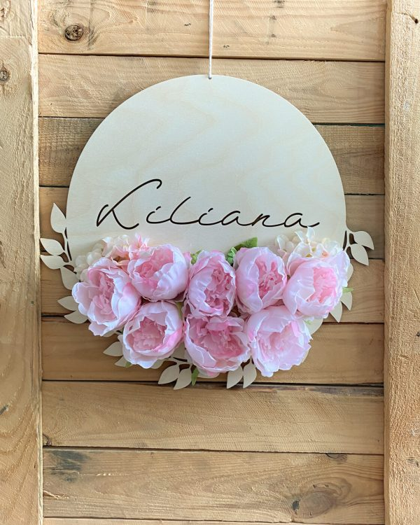 Dekoracja na ścianę do pokoju dziewczynki z kwiatami