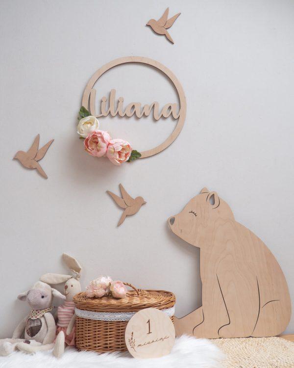 Dekoracje drewniane do pokoju dziewczynki