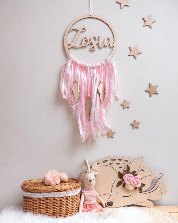 Łapacz snów dla dziewczynki z drewnianymi piórkami