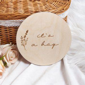 Drewniana tabliczka it`s a boy do sesji zdjęciowych