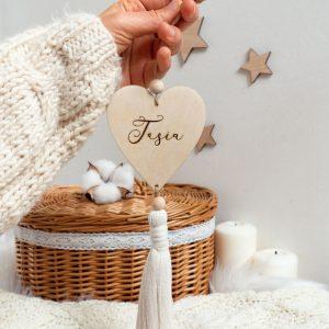 Drewniana dekoracja świąteczna dla dziecka