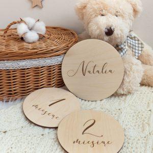 Drewniane tabliczki do dziecięcych sesji zdjęciowych