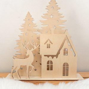 Drewniana dekoracja świąteczna z choinkami