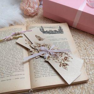 Drewniane zakładki do książki z kwiatami